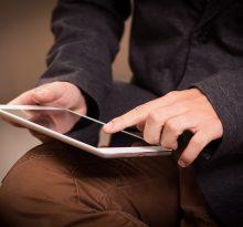 fonctionnalites-de-la-tablette-tactile-senior